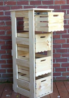 Easy Woodworking Plans Tips; Real-World DIY Woodworking Plans - Constant Improve Wood Projects For Beginners, Beginner Woodworking Projects, Popular Woodworking, Custom Woodworking, Woodworking Plans, Woodworking Classes, Woodworking Chisels, Youtube Woodworking, Woodworking Patterns