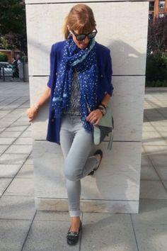 outfit gris con azul - Buscar con Google