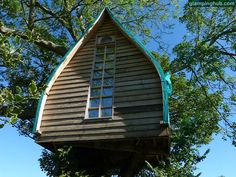 Lovely tree house in Cornwall, UK #amazing #glamping #treehouses #england