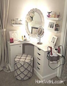 diy makeup vanity - Google Search Diy Vanity Mirror, Diy Makeup Vanity, Vanity Ideas, Corner Makeup Vanity, Mirrored Vanity, Makeup Vanities, Small Vanity, Wood Vanity, Vanity Decor