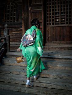 'Hatsumoude'. Japan.   Photography by Sushicam on Flicker. 'Hatsumoude' means the first visit to a temple or shrine in the year. It is a traditional thing to do during New Year's holidays in Japan