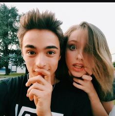 Alex and Emma ❤❤ Watch V, Disney Channel, Youtubers, Couple Photos, Tik Tok, Friends, Tumblr Couples, Dog Cat, Celebs