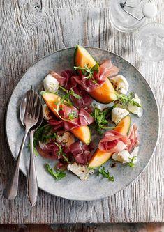 Probeer deze meloen en parmaham salade in combinatie met een Rosé Champagne! Bestel de lekkere champagne in onze webshop! http://www.brouzje.nl/webshop/soort-champagne/rose