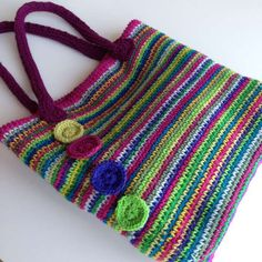 Rainbow crochet tote Stylecraft rosette position – like the colors of this – Netztasche Crochet Shell Stitch, Crochet Tote, Crochet Handbags, Crochet Purses, Crochet Crafts, Crochet Stitches, Crochet Projects, Knit Crochet, Crochet Patterns