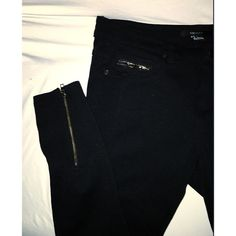 Forever 21 stretchy black skinny pants. Size small Comfortable, too short for me. Never worn Forever 21 Pants Skinny