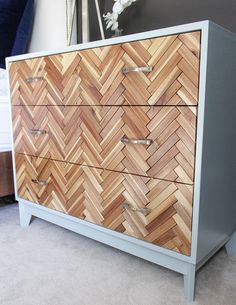 DIY herringbone dresser (completly from scratch) - This might just be my favorite DIY dresser of all time, ikea hacks Furniture Projects, Furniture Makeover, Wood Projects, Diy Furniture, Furniture Plans, Dresser Makeovers, System Furniture, Bedroom Makeovers, Building Furniture