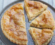 Chicken mushroom and bacon pie: Chicken pie recipe champignon Et Yemekleri Mushroom Pie, Mushroom Chicken, Pie Recipes, Chicken Recipes, Cooking Recipes, Cooking Ideas, Empanadas, Salty Tart, Quiche Muffins