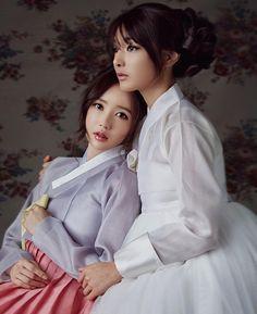 #selfie #korea #model #tradition #ootd #셀피 #셀스타그램 #모델 #웨딩모델 #한복모델 #한복 #화보 #한복화보 #더봄날 #촬영현장 #바바라스튜디오 #대구 #한복 #광고촬영 ... Korean Hanbok, Korean Dress, Korean Outfits, Korean Traditional Dress, Traditional Fashion, Traditional Dresses, Oriental Fashion, Asian Fashion, Cute Korean