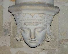 Église Saint Remi, culs de lampes du choeur.  Saint-Rémy-la-Varenne. Pays-de-la-Loire