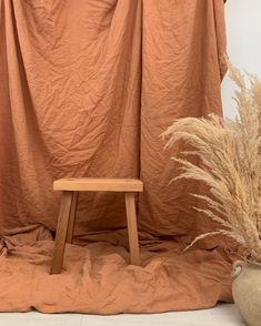 At Home Photoshoot Diy Photo Backdrops Photography Studio Spaces, Clothing Photography, Photography Backdrops, Diy Photo Backdrop, Photoshoot Concept, Photo Backgrounds, Room Decor, Fall Home Decor, Design