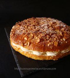 LeBienenstich ,plus communément connu sous la dénomination de Nid d'abeille , est un gâteau d'origine allemande constituéd'une brioche moelleuse recouverte d'une croûte d'amandes caramélisées e... Meals For Four, Sweet Buns, Cooking Chef, French Pastries, Sweet And Salty, Biscotti, Baking Recipes, Food And Drink, Yummy Food