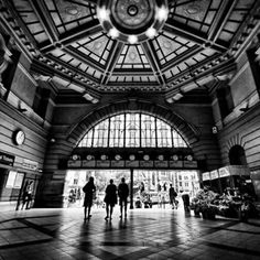 Part of the Inside, of the Flinders st entrance Places In Melbourne, Melbourne Art, Melbourne House, Melbourne Australia, Black And White City, Melbourne Victoria, Easter Island, Tasmania, Pacific Ocean