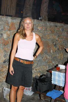 Kesäilta; toppi Gina tricot, hame ja rannekoru Esprit, vyö ?