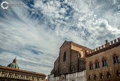 Bologna, Clouds, Mansions, House Styles, Outdoor, Home Decor, Italia, Outdoors, Decoration Home