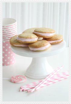 Raspberry marshmallows honey cookies
