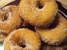 Onion Rings, Frittata, Greek Recipes, Pretzel Bites, Bagel, Doughnut, Donuts, Muffin, Cookies