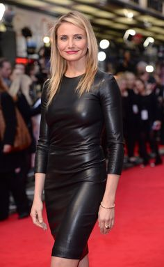 Top 9 at Cameron Diaz stuns in a sleek leather The Row look, plus more style … Top 9 um Cameron Diaz verblüfft mit einem eleganten Leder-The Row-Look und weiteren Style-News Cameron Diaz, The Row, Black Leather Dresses, Look Plus, Famous Women, Mode Style, Leather Fashion, Sexy Outfits, Party Wear