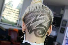 Undercuts With Blonde Bun Female Undercut, Undercut Women, Undercut Hairstyles, Trendy Hairstyles, Shaved Nape, Shaved Head, Blonde Bun, Hair Cuts, Dreadlocks