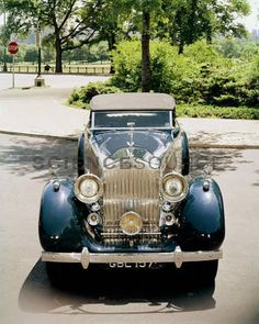 1934 Rolls Royce P-III, with a V-12 engine and independent front suspension. This was the first Rolls-Royce that Henry Royce had no hand in. Note the black Rolls-Royce insignia which appeared after Royce's death in 1933. © Tom Burnside/Photo Researchers, Inc. #classic #vintagecar #antiqueauto #car #automobile #1934 #RollsRoyce #stockphoto