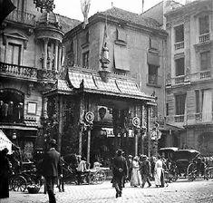Guarniments dels carrers per les festes de la Mercè de 1902. | BARCELODONA Barcelona City, Barcelona Catalonia, Art Nouveau, Belle Epoque, Old Pictures, Old Photos, Places In Spain, Somewhere In Time, Urban Architecture