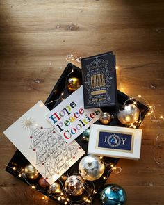 Festive Cheer Christmas Cards  http://rstyle.me/n/dtk7ipdpe