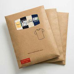 Underwear Packaging, Clothing Packaging, Clothing Labels, Paper Packaging, Bag Packaging, T Shirt Packaging, Luxury Packaging, Packaging Ideas, Envelope Kraft