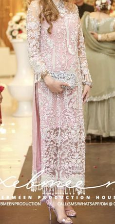 You are in the right place about clothes for women over 50 Here we offer you the most beautiful pictures about the clothes for women cheap you are looking for. When you examine the part of the picture Asian Wedding Dress Pakistani, Pakistani Fashion Party Wear, Pakistani Dresses Casual, Pakistani Wedding Dresses, Pakistani Dress Design, Indian Dresses, Indian Outfits, Indian Designer Outfits, Designer Dresses