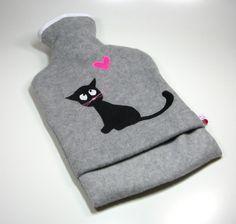 Wärmflasche mit schwarzer Katze von tumult-berlin auf DaWanda.com
