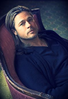 Oh my Brad Pitt with those bedroom eyes!