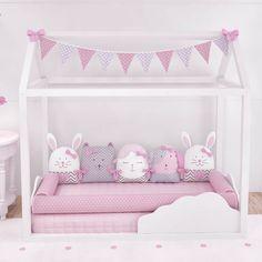 O Kit Montessoriano Amiguinhas traz os animaizinhos preferidos das pequenas na versão rosa! Com esse kit, o quarto montessoriano ganha mais vida e fica digno de uma princesa! Toda mãe de menina vai se derreter de amores!