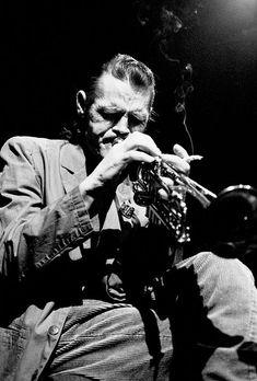 chet baker his life and music jeroen de valk Jazz Artists, Jazz Musicians, Music Artists, Music Pics, Music Photo, My Music, Nova Orleans, Chet Baker, Musician Photography
