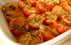 Pomodorini gratinati di Cotto e mangiato - Un contorno o antipasto molto sfizioso da preparare con pangrattato, pecorino o parmigiano, sale, olio e origano.