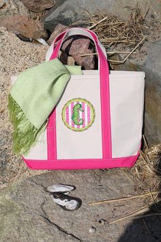 Kate Dickerson seahorse round mounted on an L.L.Bean tote bag