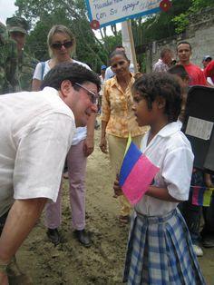@pachosantosc Con los niños de nuestro país