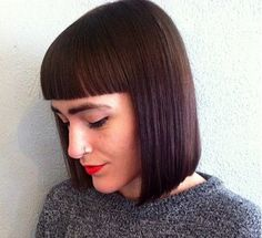 Perfect cut for fine hair. The solid color makes hair look full and sleek.