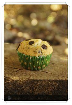 Unos muffins jugosos, gustosos, esponjosos y muy muy ricos. Tiene muchos ingredientes que me gustan como son el yogur griego y el chocolate... Yogurt, Breakfast, Food, Dessert Recipes, Sweets, Cookies, Cooking, Greek Yogurt, Morning Coffee