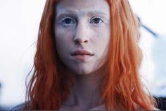 "Hayley Williams 2013 - ""Now"" Music Video makeup look Angel Makeup, Paramore Hayley Williams, Ryan Seacrest, Blondie Debbie Harry, White Makeup, Grace Jones, Inspirational Celebrities, Gwen Stefani, Video News"