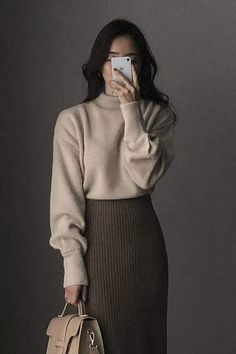Asian-style-Inspo - Winter Outfits for Work Korean Outfits, Mode Outfits, Fall Outfits, Modest Fashion, Hijab Fashion, Fashion Outfits, Long Skirt Fashion, Long Skirt Outfits, Fashion Hacks