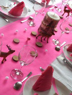 Table de Noël rose fluo