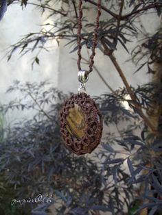 tatting lace pendant, wisiorek frywolitkowy