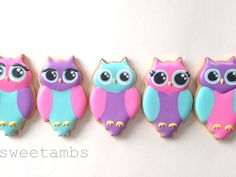 These brightly colored owl cookies are made from one of the many cookie cutters that I picked up during my last trip to NY Cake in Manhattan. On a side note, I recently found out that this pretty paper doily was designed by my cousin Cullen at Anna G