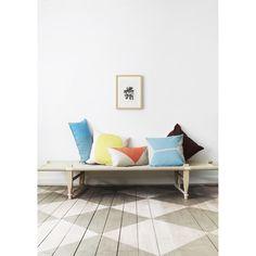 Japanese tyyny, sininen – OYOY – Osta kalusteita verkossa osoitteessa ROOM21.fi