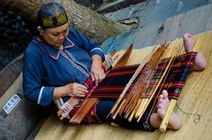 """Li Ethnic Group (黎族)  The Lis are known for their skill in weaving kapok."" _ by Jace Tan/Ah Zar, on flickr"