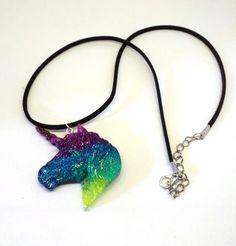 Voici ce que je viens d'ajouter dans ma boutique #etsy : Collier pendentif tête de Licorne arc-en-ciel http://etsy.me/2nTEIGe #bijoux #collier #rose #sciencefictionetfantastique #animal #licorne #unicorn #kawaii #cute #mignon #coeur