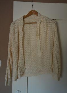 Kup mój przedmiot na #vintedpl http://www.vinted.pl/damska-odziez/bluzy-i-swetry-inne/10200671-bezowy-sweterek-34