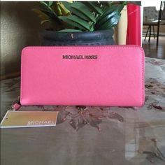 MK Wallet Brand new.. Authentic Michael Kors Bags Wallets