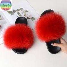 2020 Women's real fur slippers raccoon Furry Fox slipper fur slides C – slipper&sandal wholesale Fox Slippers, Winter Slippers, Womens Slippers, Fluffy Sandals, Fluffy Shoes, Heel Boots For Women, Slide Flip Flops, Slipper Sandals, Women Slides