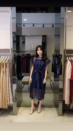 Source by keyscham brokat Dress Muslim Modern, Dress Brokat Modern, Kebaya Modern Dress, Dress Brukat, Hijab Dress Party, Batik Dress, Kebaya Lace, Kebaya Dress, Model Kebaya Modern