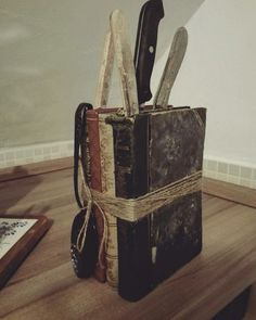 Books+Knives=Creative pairing
