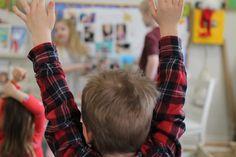 Should young children raise their hands? – Teach Preschool Kindergarten Science, Preschool Classroom, Toddler Preschool, Preschool Activities, Teach Preschool, Preschool Door, Winter Activities, I Am Special, Meaningful Conversations